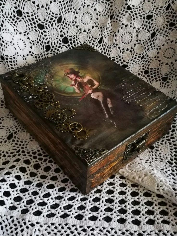 Az első Steampunk stílusú dobozom / decoupage, steampunk style, wooden box