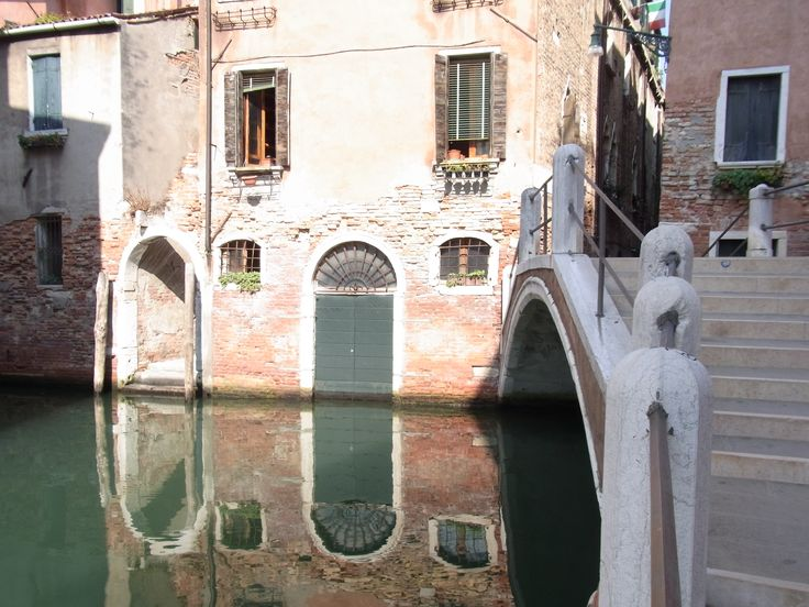 Just a fleeting moment in Venice  http://www.babybarndiscounts.com.au/