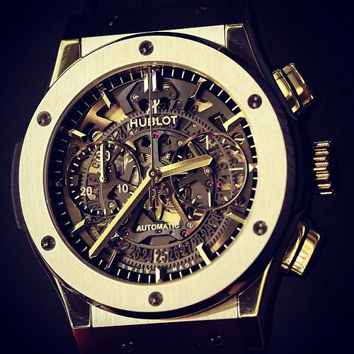 I am equally drawn to as I am repelled by Hubolt design, in the end i find this conflict of interest and so I add them to my pins. Hublot Big Bang Aero Bang Classic Fusion