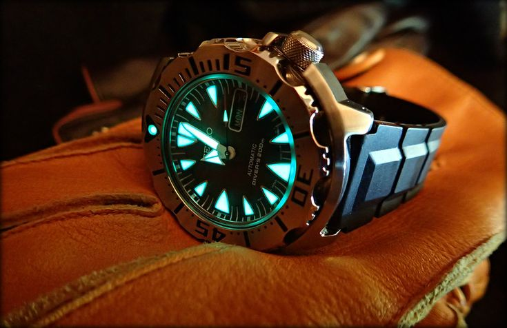 http://forums.watchuseek.com/f21/why-i-would-never-buy-seiko-monster-3031146-12.html