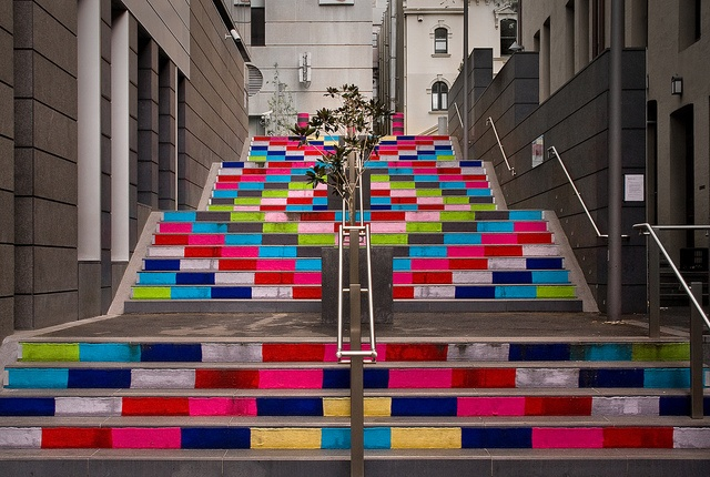 Guerilla knitting, Sydney. By Magda Sayeg: Colors Stairca, Street Art, Design Architecture, Knits Stairs, Magda Sayeg, Yarns Bombs, Sussex Lane, Guerrila Knits, Guerilla Knits