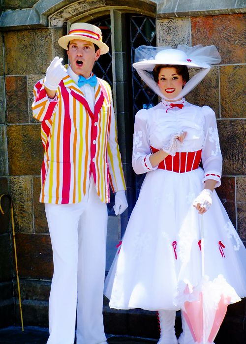 Mary Poppins, and Burt are my favorite characters to meet at Disney World. Don't you just love her dress?