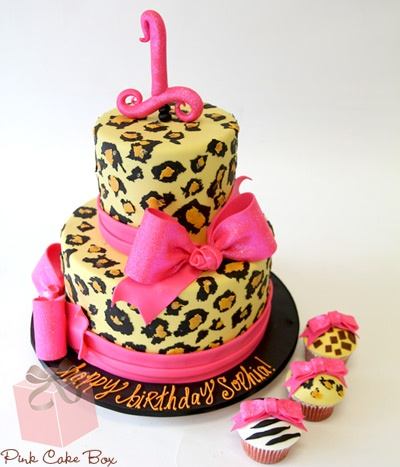 Leopard Print Birthday Cake and Animal Print Cupcakes! Have to remember this one!