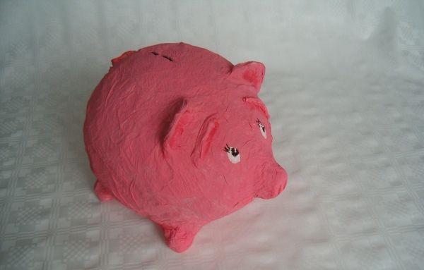 Hoe maak je een varken van papier maché?