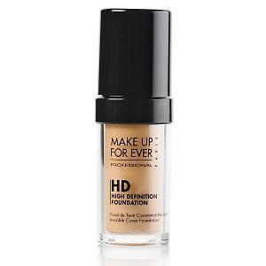 Base: Make Up For Ever HD Invisible cover foundation..... I live by this! It truly gives #FlawlessCoverage and it doesn't get shiny