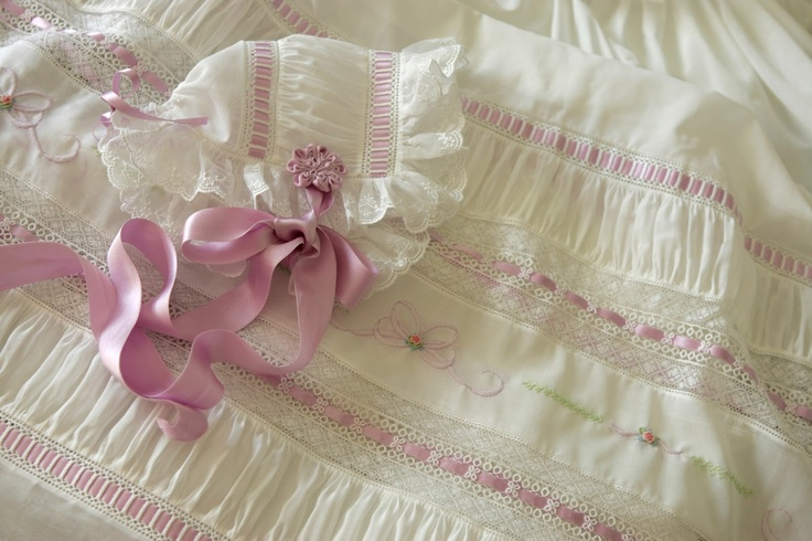 LuLu & Annie: Remake of a Favorite----beautiful heirloom sewing blog by a woman who teaches heirloom sewing