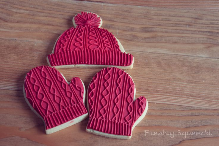 Red knitted tuque and mittens. Royal Icing decorated sugar cookies for Christmas. by Freshly Squeez'd