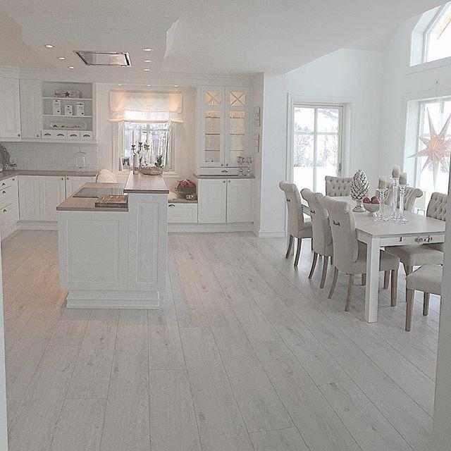 Beautiful kitchen/ dinner idea