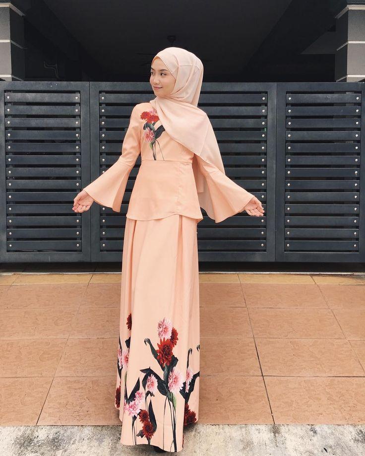 """3,898 Likes, 20 Comments - Mynn ✨ (@yasminazhar) on Instagram: """"Big big big love for @iamadior skirt ! Siapa siapa nak cari skirt kembang ? Cuba tgok ig @iamadior…"""""""