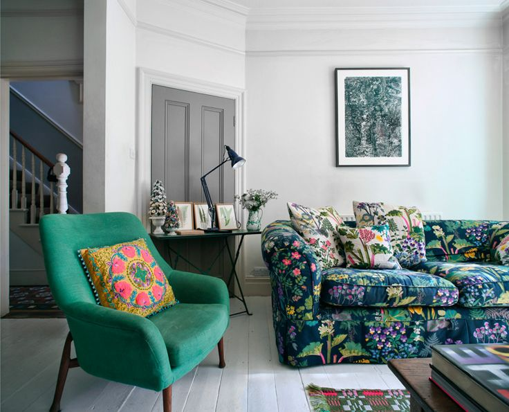 10 Floral Sofa's To Get In The Spring Mood - Gravity