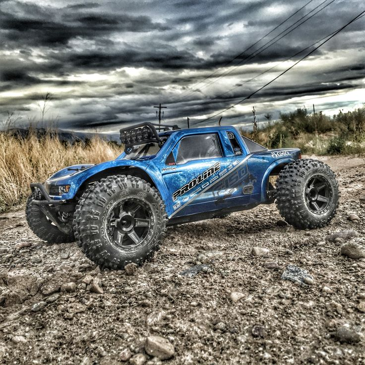 axial yeti with proline racing 39 s ford raptor body show. Black Bedroom Furniture Sets. Home Design Ideas