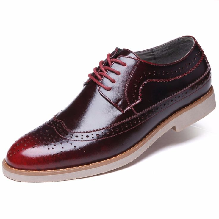 31.19$  Watch here - http://alilqm.shopchina.info/1/go.php?t=32576827022 - 2017 Hot Sale Men Leather Casual Shoes Fashion Men Brogue Shoes Carved Zapatos Hombres Vintage British Men Leather Shoes 818  #magazineonline