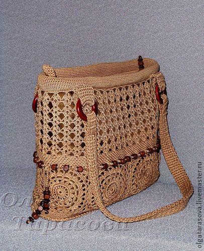 Bolsa de crochê com contas de madeira
