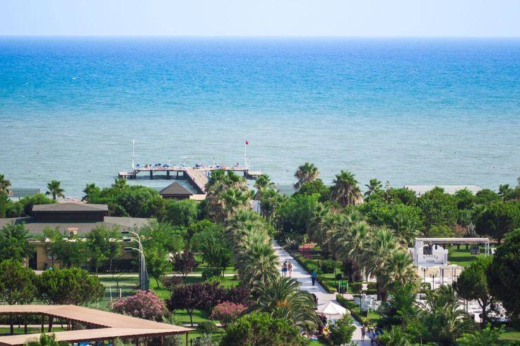 Spend your #summer #holiday in a land of beauty view.. Yaz tatilinizi, manzaraya doya doya geçirin.. 😎 #Спа #Бар #Ресторан #номера #Бассейн #ДетскийКлуб www.veneziapalace.com