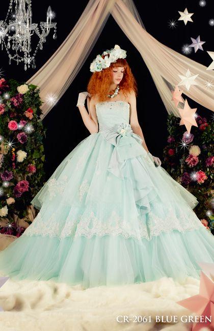 No.66-0115透明感のあるチュールを幾重にも重ねやさしくスウィートなミントグリーンのドレス。 キラキラ光り輝くグリッターレースがとても美しい一着