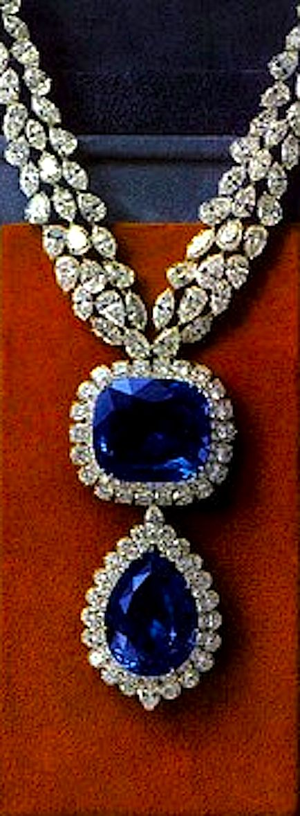 Van Cleef  Arpels Necklace