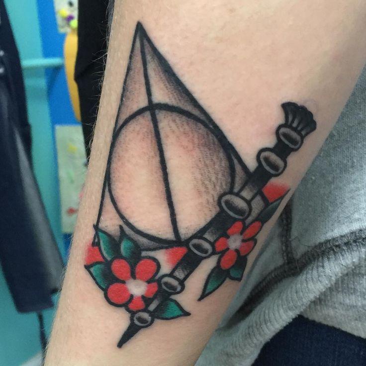 Perfect Traditional Deathly Hallows and Elder Wand tattoo Tattoos u Piercings Pinterest Wand tattoo Tattoo and Tatting