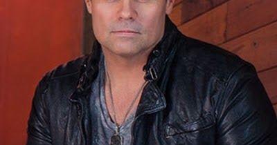 Σοκ! Νεκρός γνωστός τραγουδιστής – Συνετρίβη το ελικόπτερο που τον πήγαινε σε συναυλία του