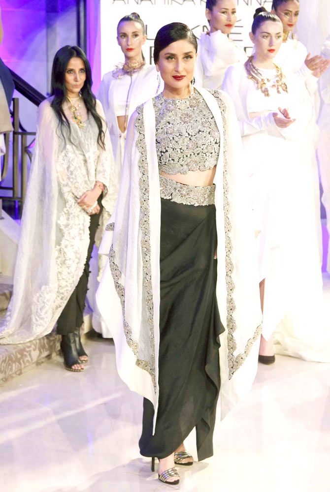 Kareena Kapoor walked the ramp for designer Anamika Khanna at the Lakme Fashion Week 2015.