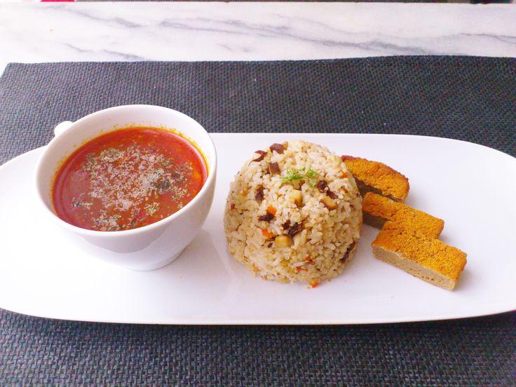 Homemade oven baked tofu & veggie fried rice w/ veggie Nutritional yeast flakes tomato soup! #vegan #organic #glutenfree #healthyeating #nutrition #food