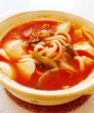 ピリ辛でお腹の中からぽかぽか!豆腐入りチゲ鍋の鍋焼きうどんのレシピ