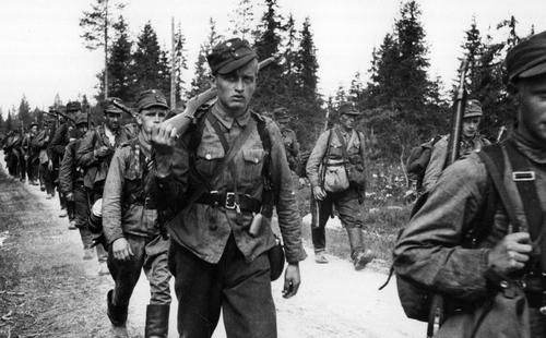 Finnish 3rd Division troops marching along the Raate road in June 1941. After crossing the border the division fought at Kestenga and Uhtua (Kalevala), and was transferred to Karelian Isthmus in 1944 where it took part in Battle of Tali-Ihantala.
