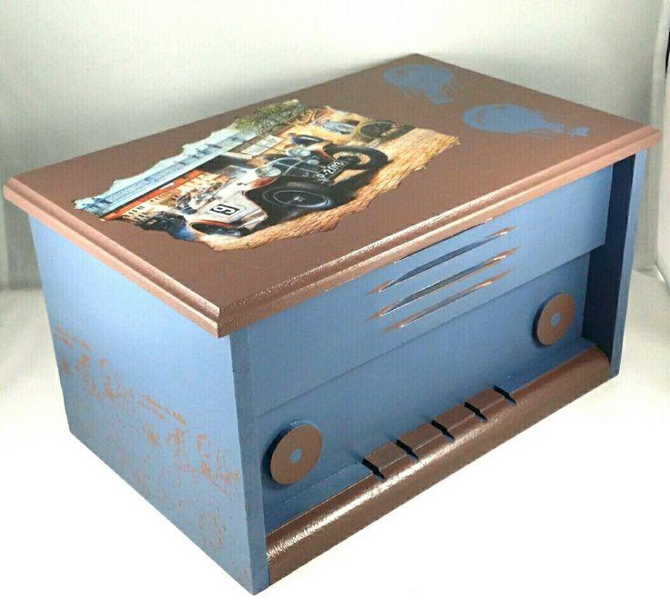 Decoupage Vintage Box Radio
