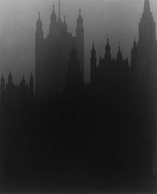 bill brandt - blackout in london, house of parliament (1939)
