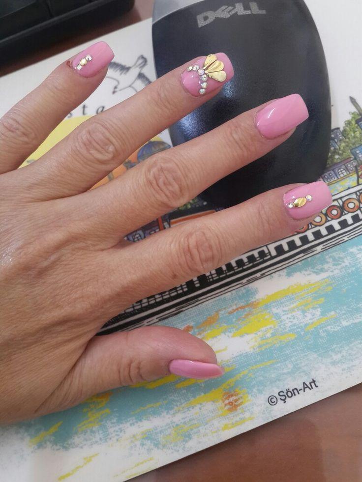 Yaz renkleri .. pembe renk .. jel tırnak modeli .. benim seçimim  #byAla