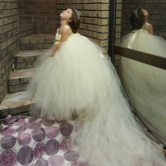 Супер пушистые бежевый цветочница пачка платье с длинным шлейфом принцесса девушка ну вечеринку для празднования дня рождения свадьба трехслойной тюль PT16 купить на AliExpress