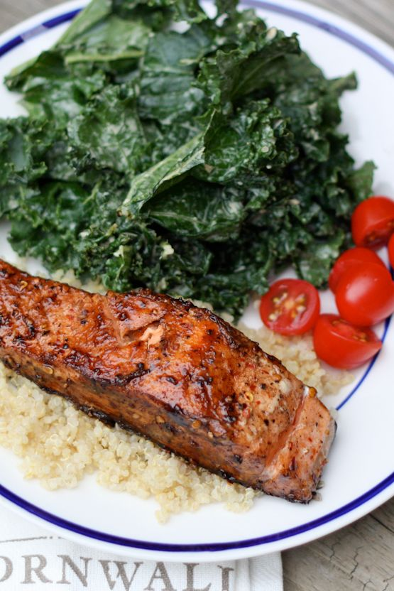 This clean eating Balsamic Salmon #recipe is easy and takes less than 20 minutes to prepare!