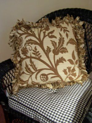 17 Best images about Pillows ... NO sew ! on Pinterest Burlap pillows, White pillows and ...