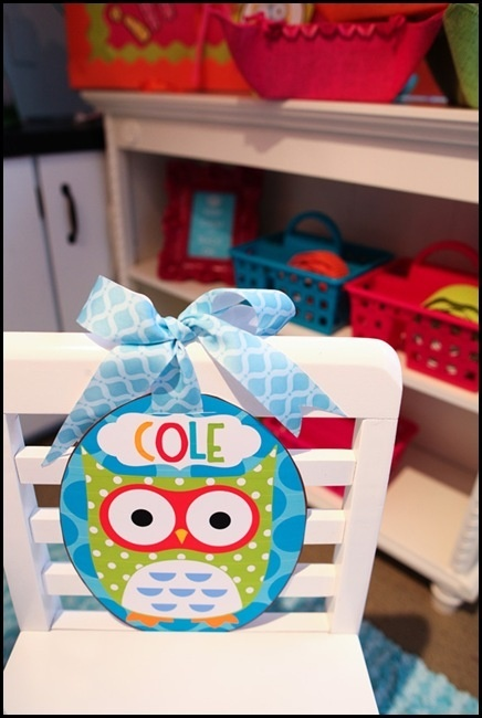 Not the owl, but use name signs w/ ribbons for 1st day deco.