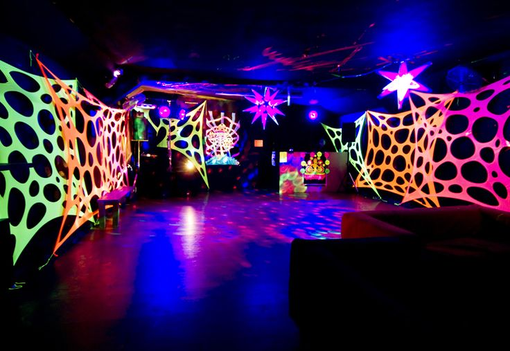 This is how you decorate with UV for a Blacklight party! Blacklight DJ Party Lighting ...
