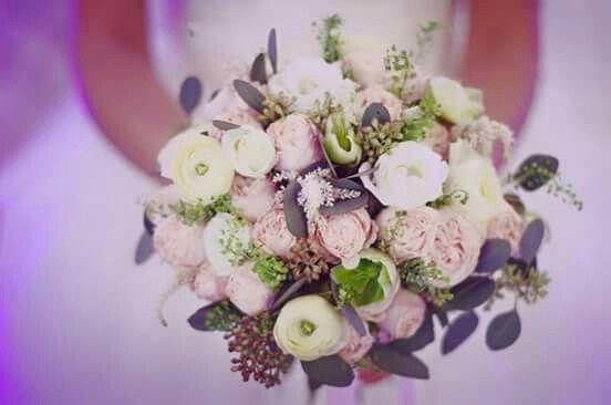 White ranunculus bridal bouquet