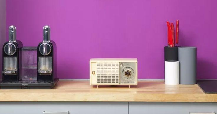 Chic, vintage, unique : voici trois adjectifs qui décrivent bien l'aventure et la marque A.bsolument Vintage Radios. A.bsolument, c'est la belle histoire de deux passionnés de musique, Arthur & Pierre. Un fils et son père....