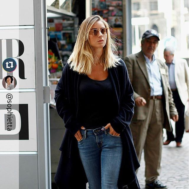 #MFW is coming! @sophietta wears #120cashmere MaxiCardigan. #120percento #fashionweek #milan #fashion #casual #cashmere #street #streetstyle #outfit #black #autumn