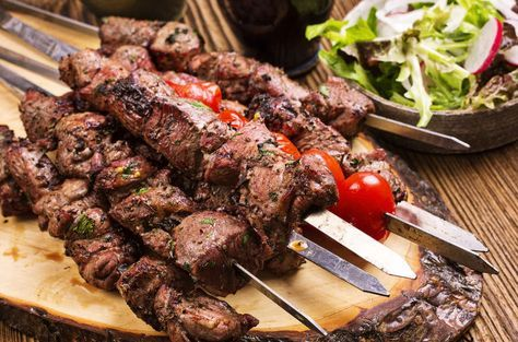 Marinated Greek Souvlaki recipe (Skewers) with Pita and Tzatziki sauce recipe Chicken, Beef, or Pork