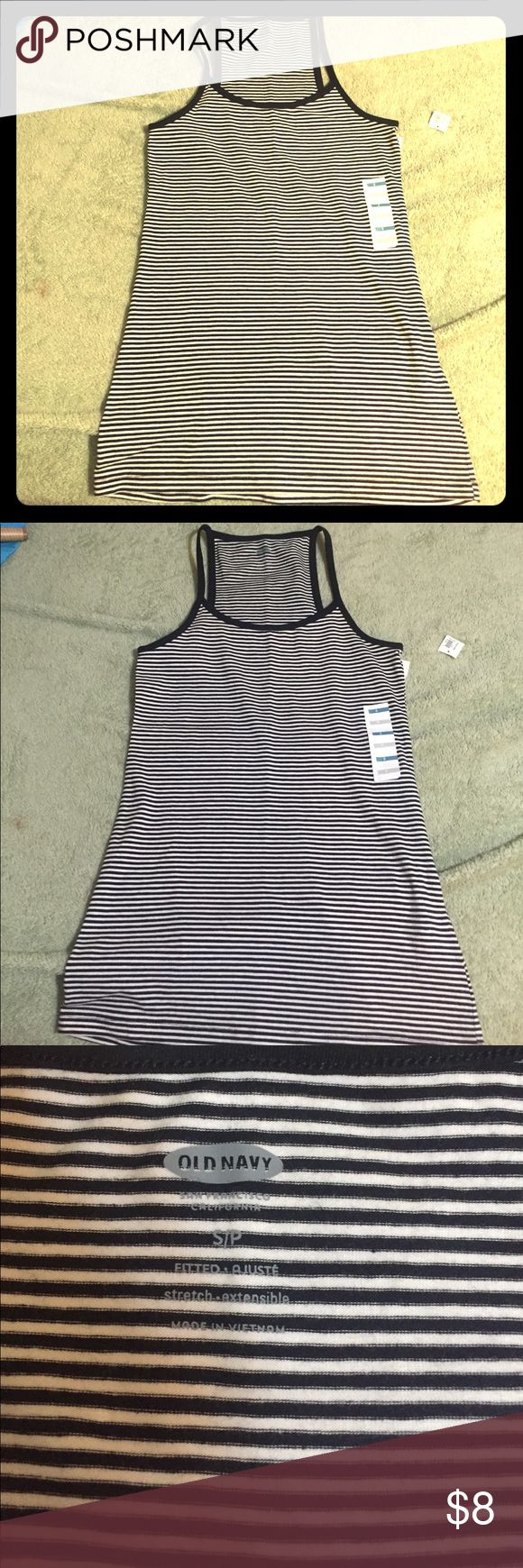 🐬 Casual Striped Tank top Size Small 😎 Old Navy tank top, thin black and white stripes.  Size small, 94% cotton and 6% spandex. Fitted and stretchable!  NWT Old Navy Tops Tank Tops