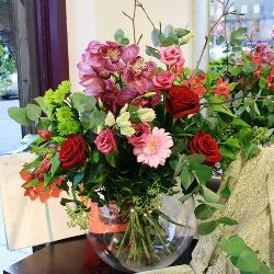 Christmas Flower Bouquet in Reds and Pinks