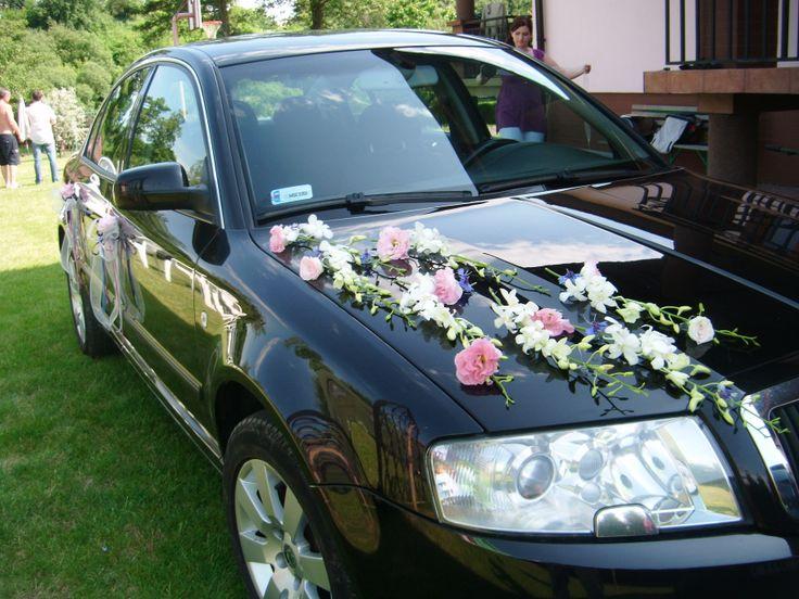 Ślubna dekoracja auta - Kwiatowo