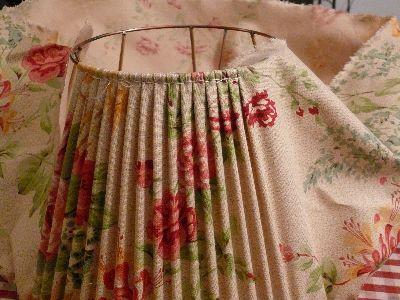 Etapes de fabrication pour abat-jour tissu tendu                                                                                                                                                     Plus