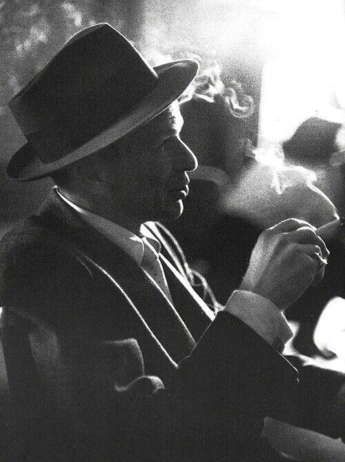 Frank Sinatra...My grandpa loved his music...my mom loves his music...I love LOVE his music! What can I say, I'm a jazz girl :P
