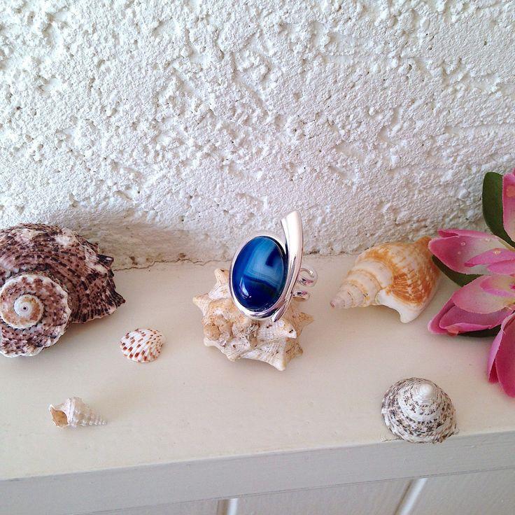 Bague plaquée argent avec cabochon Agate bleue veinée blanc : Bague par k-thys-creations-bijoux