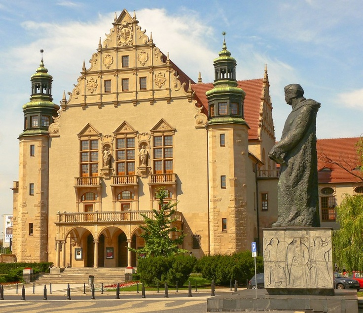 Poznan Poland, Filharmonia Poznańska (Aula UAM) oraz pomnik Adama Mickiewicza