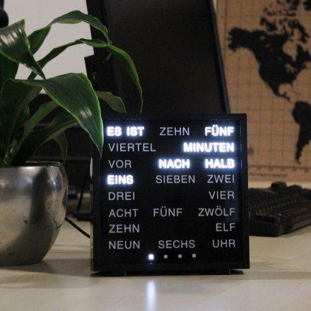 LED Wörteruhr online kaufen ➜ Bestellen Sie LED Wörteruhr versandkostenfrei für nur 99,95€ im design3000.de Online Shop!