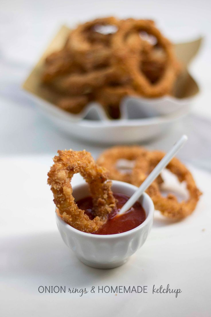 Anelli di cipolla fritti e ketchup homemade - Onion rings and home made ketchup