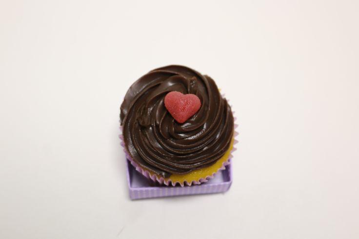 Um clássico da infância em formato de cupcake - cenoura com chocolate! #MyCake #EdsonCake #DoSeuJeito #Encomende #Sabor #Deliciosos #EuQuero