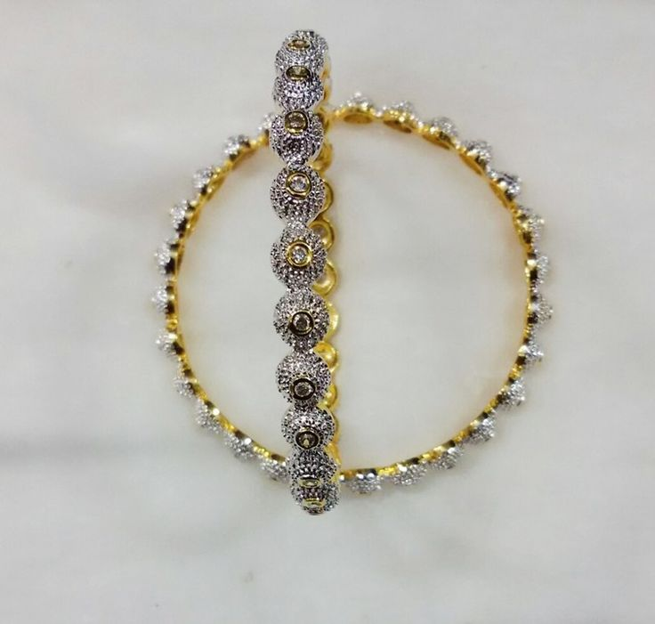 Get up to 50% off on beautiful #Indian #wedding #bangles. Browse the full collection on #Shingar21.