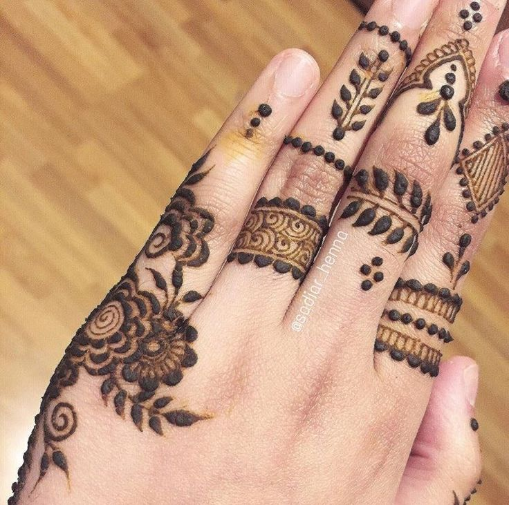 17 best images about finger henna designs on pinterest. Black Bedroom Furniture Sets. Home Design Ideas